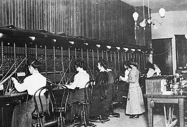 Baker-City-Telephone-Operators-c1910-FSDM2