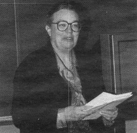Martha Evens at a seminar on Women and Computer Science, 1992.